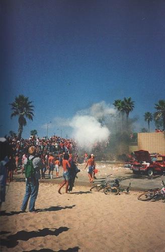WAPILINGTON, Nick.Surf Riot.